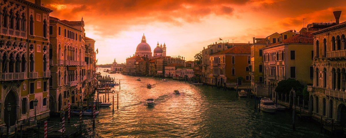 15 imagens raras de personalidades do século passado em viagem a Veneza