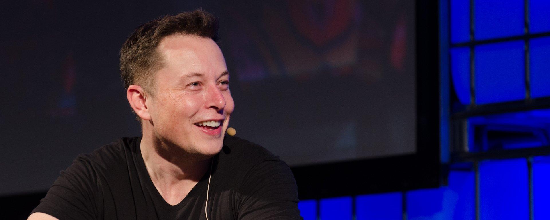 Elon Musk revela o visual da versão de testes do foguete Starship