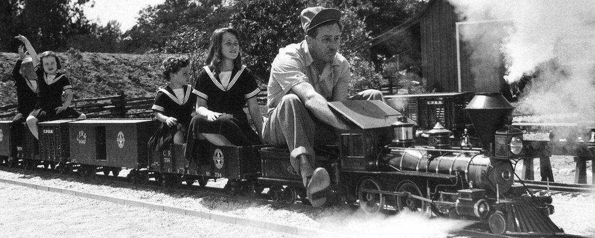 Conheça a incrível ferrovia que Walt Disney construiu no quintal de casa