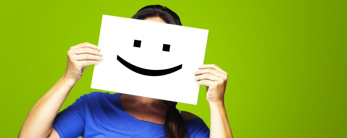 Sabia que existem só 17 expressões de felicidade comuns em todo o mundo?
