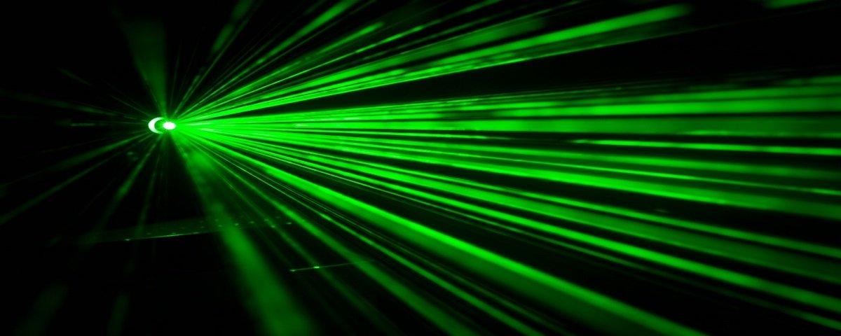 Cientistas criam laser que emite a luz mais pura do mundo