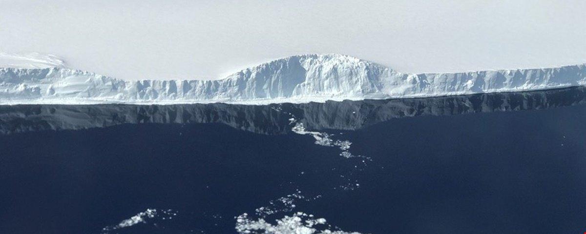 Iceberg colossal está prestes a se desprender da Antártica