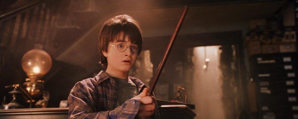 Escola católica proíbe livros de Harry Potter por conterem feitiços 'reais'