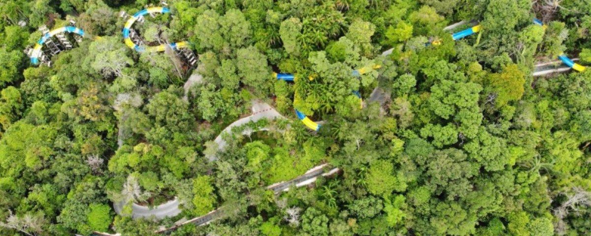 Conheça o maior toboágua do mundo e faça um passeio pela selva da Malásia