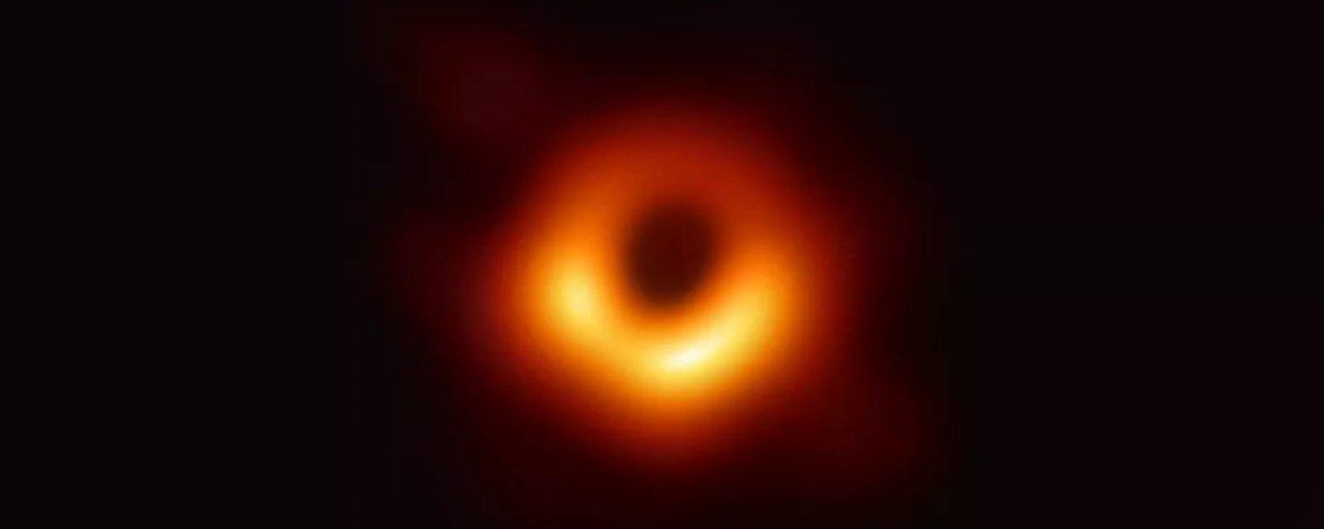 Time que gerou 1ª foto de buraco negro recebe prêmio milionário
