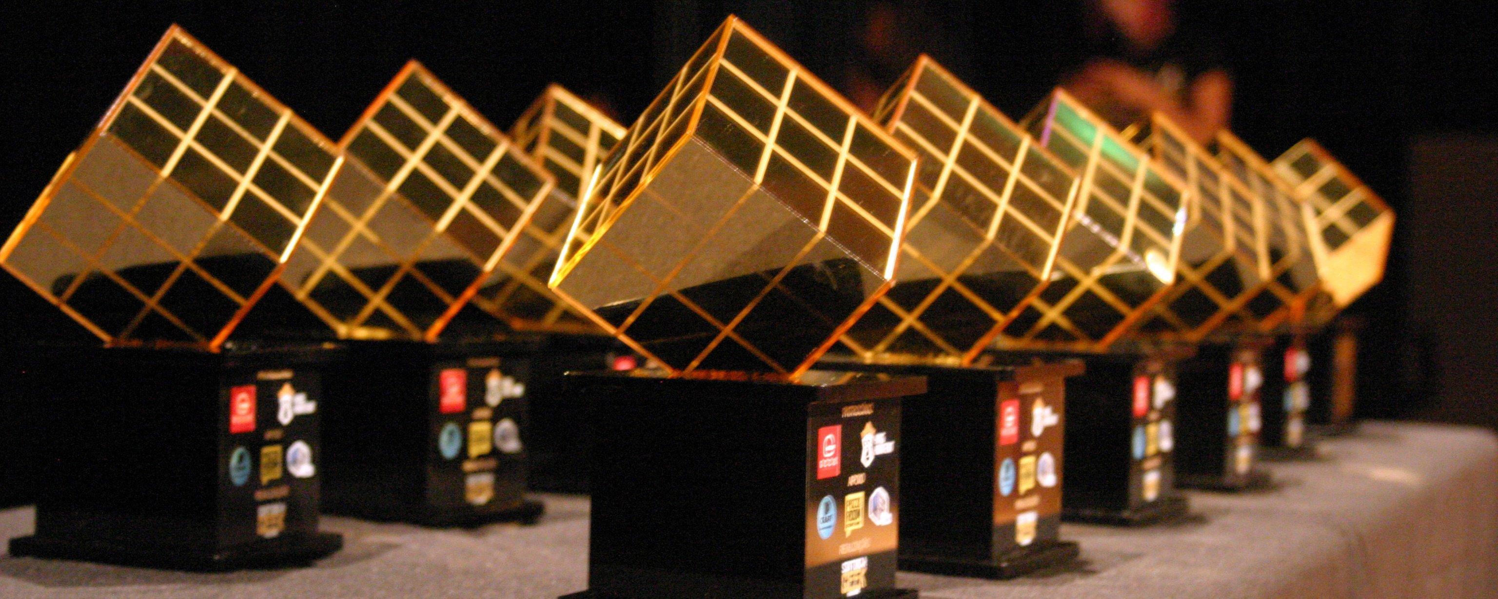 Mega Curioso é finalista do Prêmio Cubo de Ouro 2019; veja como votar!