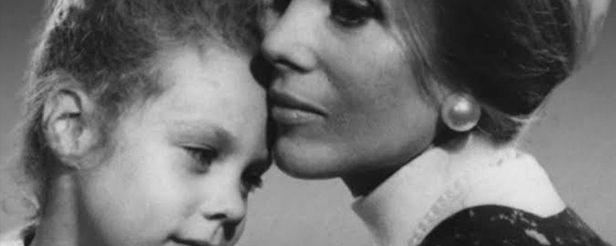 A Família: o culto de Anne Hamilton Byrne