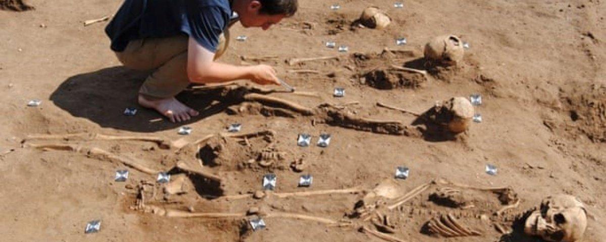 Esqueletos de 48 mortos pela peste bubônica são descobertos