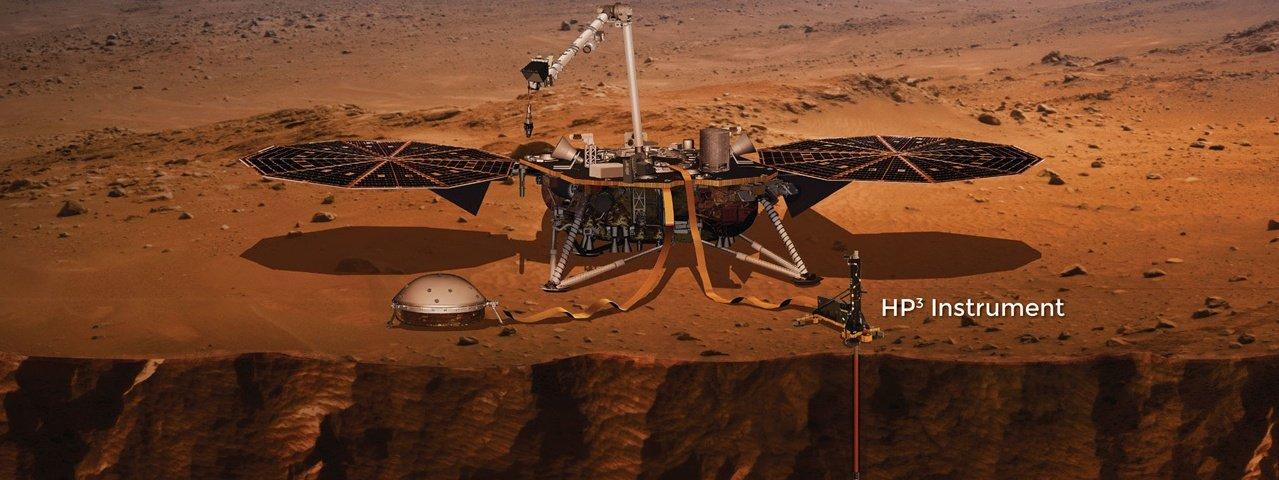 'Toupeira' da NASA consegue se enterrar no solo de Marte