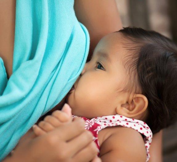 Cientistas descobrem proteína no leite materno capaz de combater o HIV