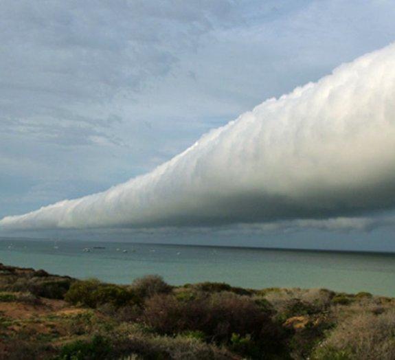 Nuvem gigantesca em forma de tubo é vista no Texas [vídeo]