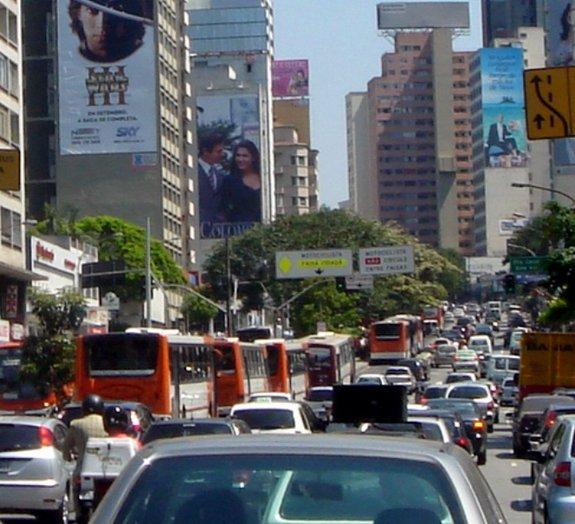Cientistas usam celulares para descobrir como os congestionamentos começam