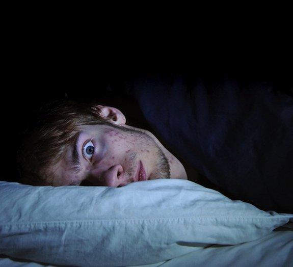 Poucas horas de sono fazem com que o corpo desligue genes importantes
