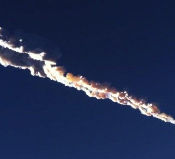 Enorme meteorito cai na Rússia e deixa mais de 500 feridos