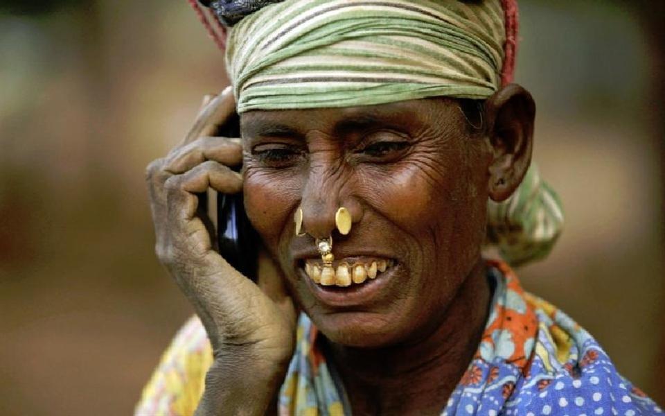 Há mais acesso a celulares do que a banheiros limpos no mundo, diz ONU