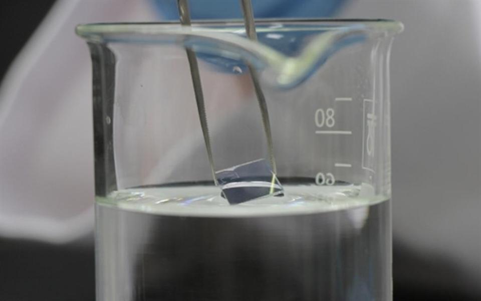 Água manipulada por grafeno é capaz de corroer diamantes