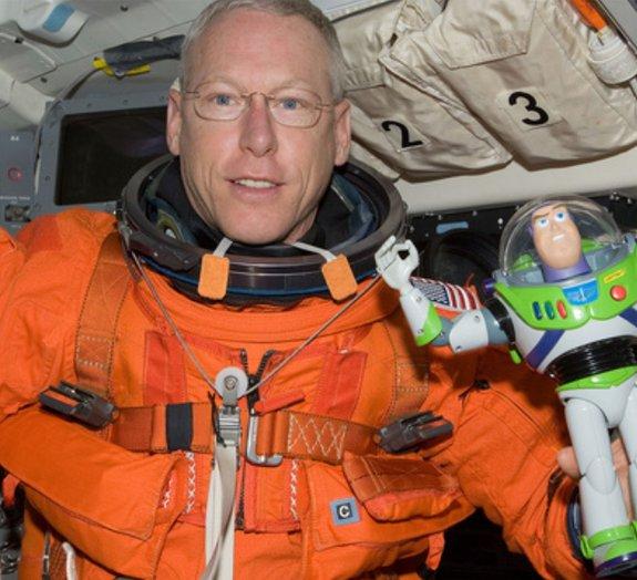 16 brinquedos que já foram flagrados no espaço