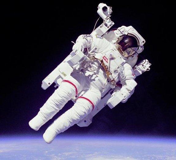 Afinal, no espaço faz frio ou calor?