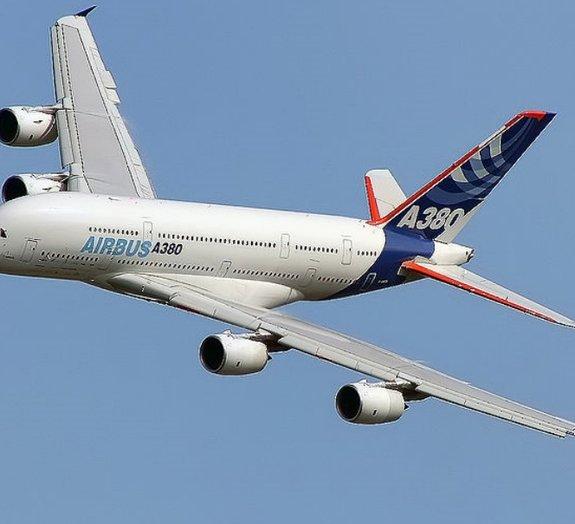 Conheça os 10 maiores aviões da História