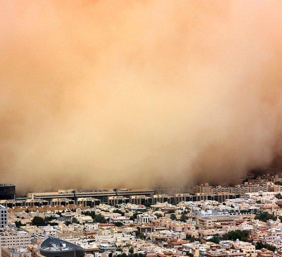 Tempestade de areia é filmada do topo do maior arranha-céu do mundo [vídeo]