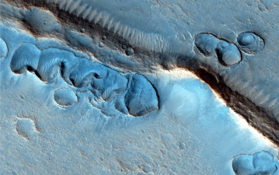 Sonda registra formações geológicas estranhas em Marte