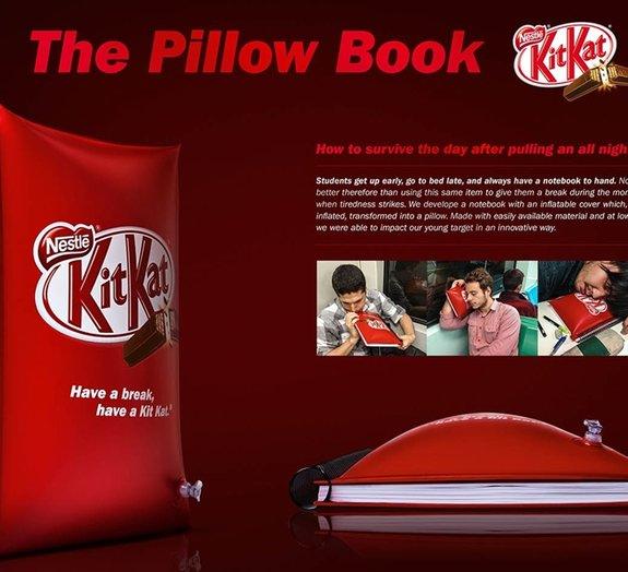 Kit Kat cria caderno que se transforma em travesseiro