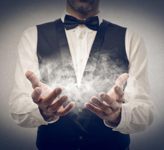 Descubra como os truques dos mágicos conseguem enganar seus olhos