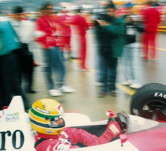 Honda homenageia Ayrton Senna com comercial emocionante