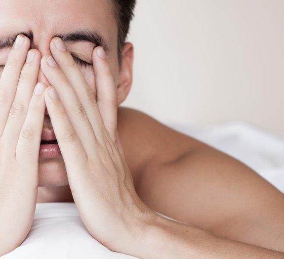 Ressacas não só causam dor de cabeça, mas também emburrecem