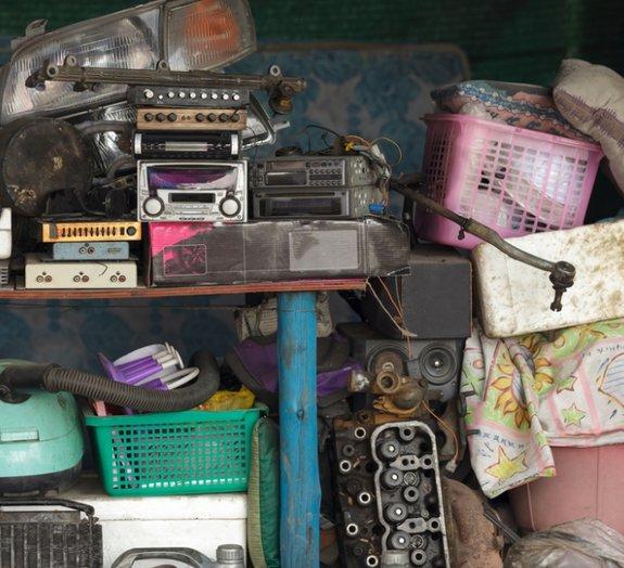 Gambiarras decorativas: 15 objetos comuns transformados em peças funcionais