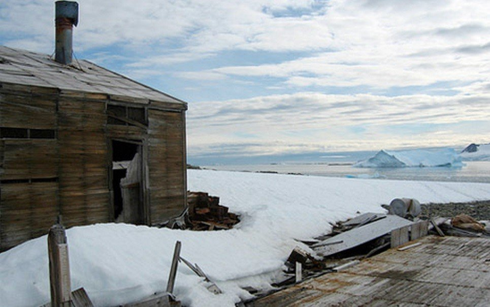 Conheça 6 lugares abandonados na Antártida