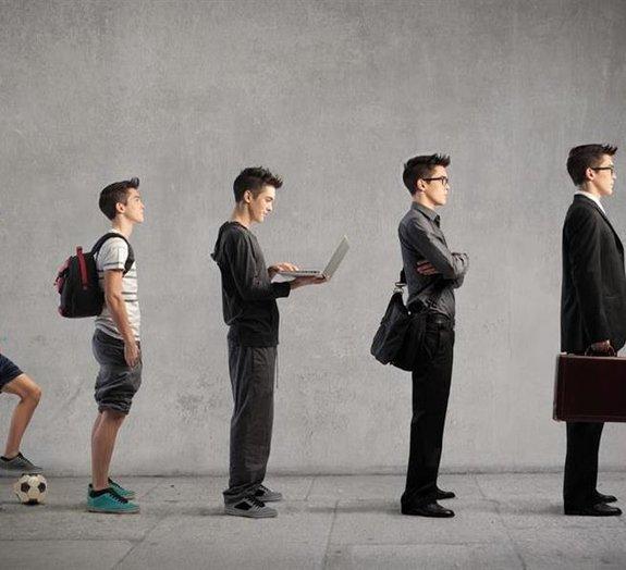 Psicólogos afirmam que adolescência vai até os 25 anos