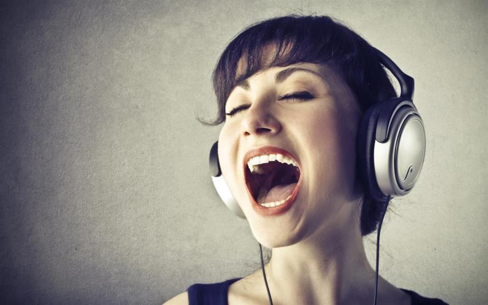 Quer aprender um novo idioma? Então, comece a cantar!