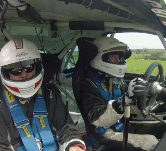Acidente de carro durante rally é registrado por GoPro [vídeo]