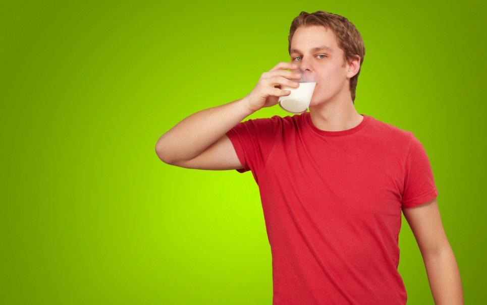 Nova bizarrice alimentar: homens adultos que consomem leite materno