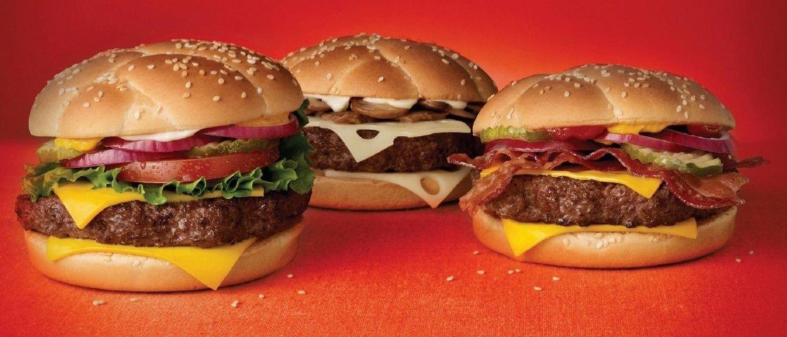 Fotógrafo cria série de imagens que mostra a verdadeira face do fast food