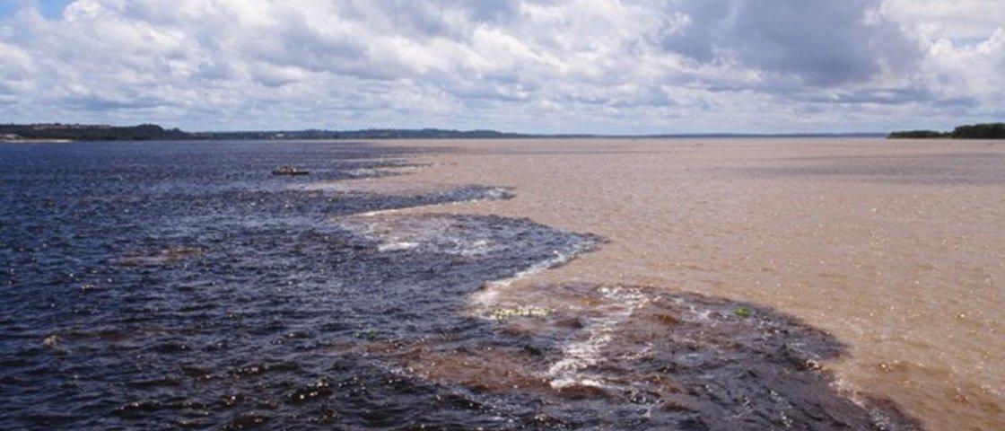 Você sabe como acontece o fenômeno do Encontro das Águas em Manaus?