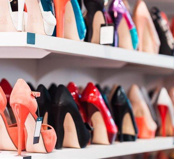 Ladrão japonês é preso por roubar mais de 450 pares de sapatos femininos