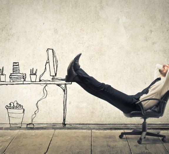 Aprenda a reverter os efeitos negativos de passar o dia inteiro sentado