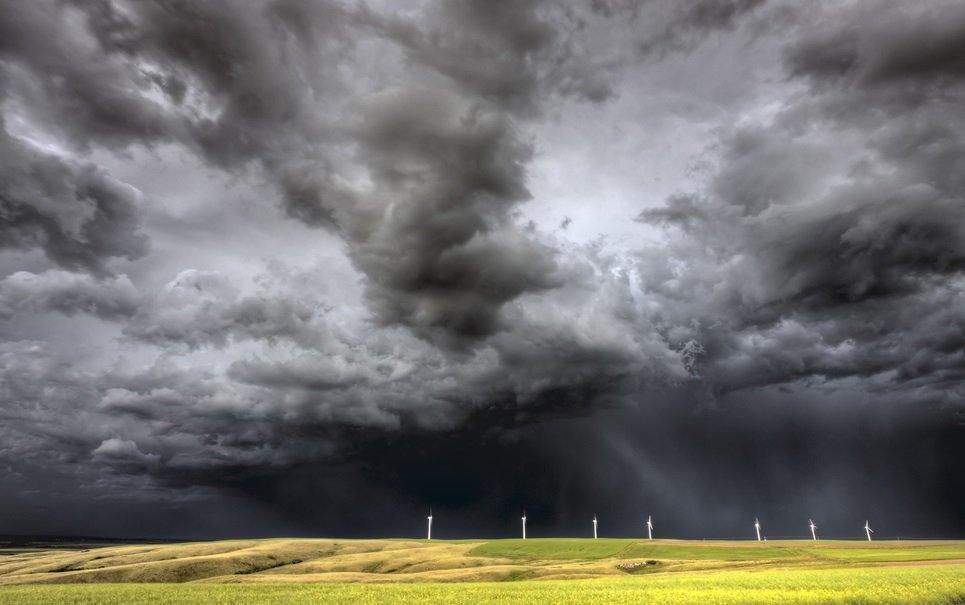 Por que as nuvens das tempestades são escuras?