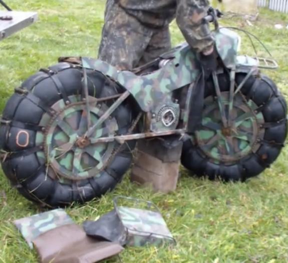 Veja uma nervosa motoca russa que faz praticamente tudo