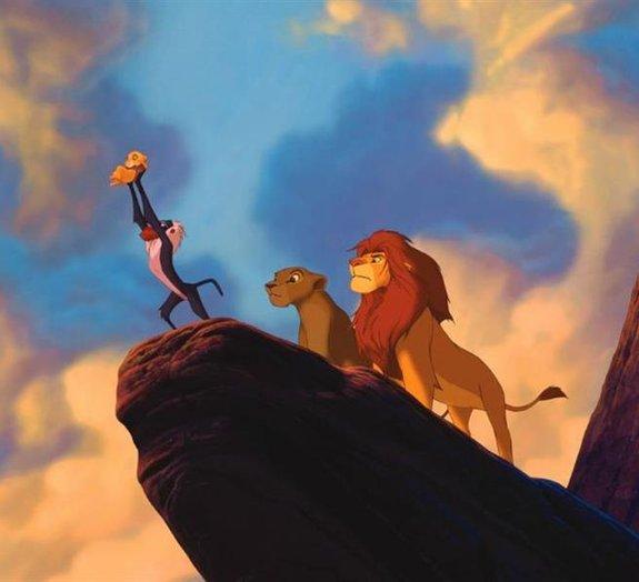 Elenco de 'O Rei Leão' surpreende passageiros em voo na Austrália [vídeo]