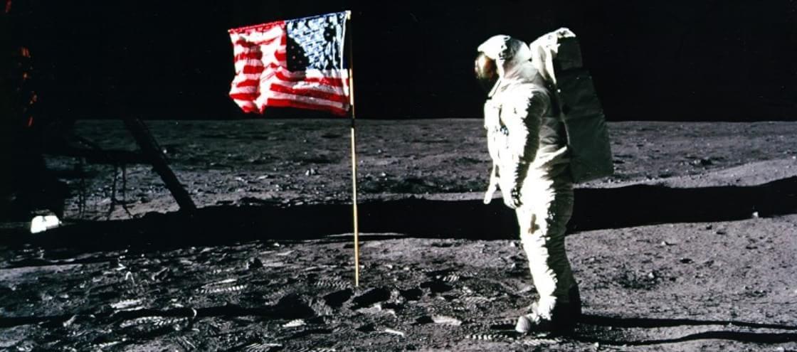 Você não vai acreditar na quantidade de tralhas que já deixaram na Lua