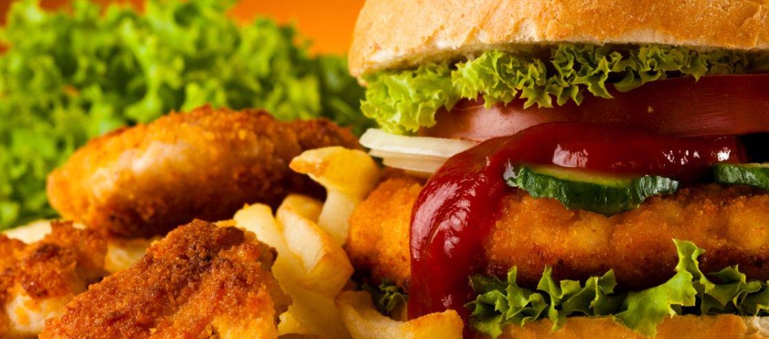 Consumir 'fast food' pode ser tão efetivo quanto os suplementos esportivos