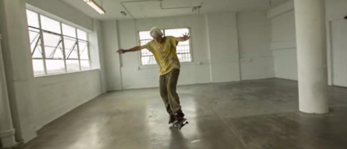 Quem disse que é preciso ser jovem para surpreender no skate? [vídeo]