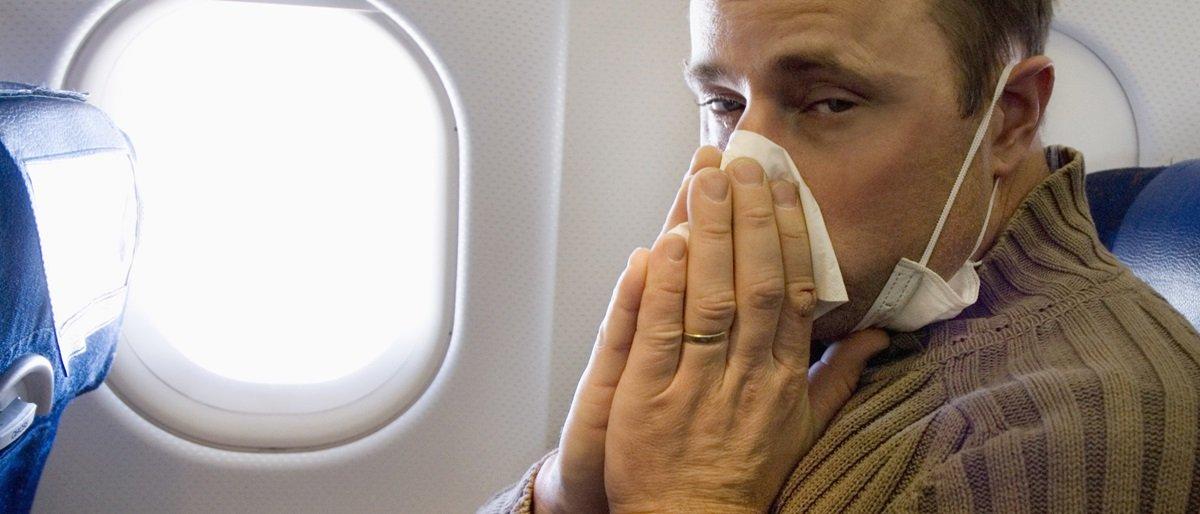 Quanto mais tempo você passa em um avião, maiores as chances de sair doente