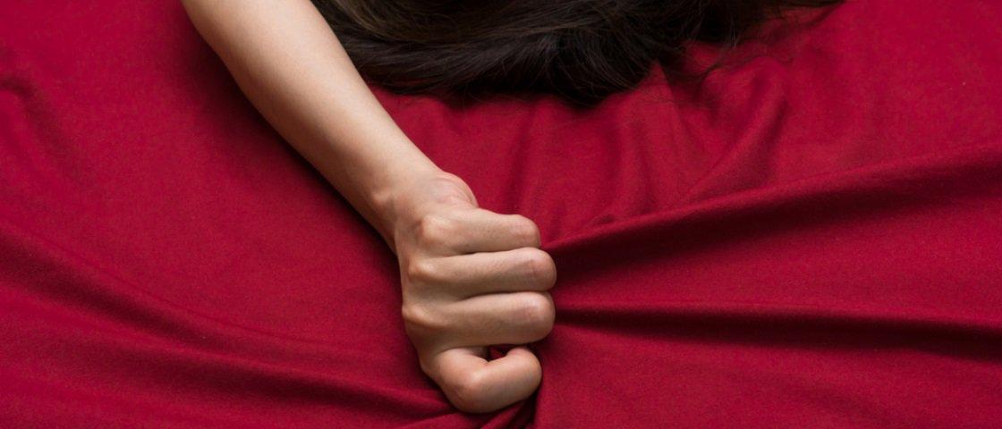Traída, mulher se divorcia e resolve ter 32 amantes amorosos e sexuais
