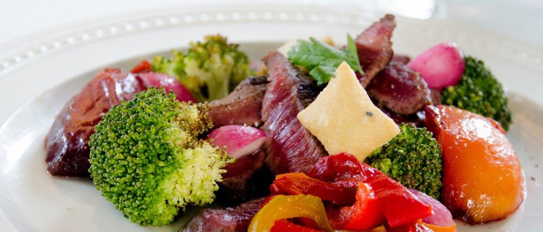 Incrível! Restaurante inova ao fazer comida com o que iria para o lixo
