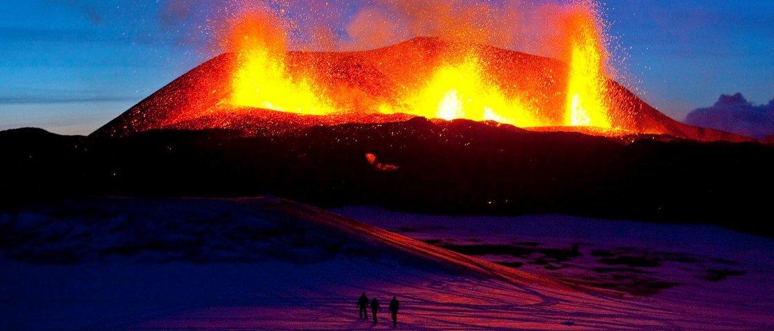 9 vulcões ativos colossais que vão te surpreender