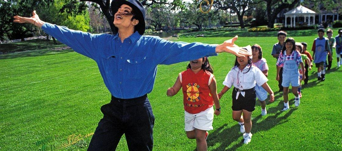 Caso Michael Jackson: as fotos que foram encontradas na casa do cantor